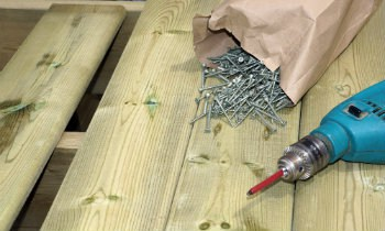 screws per deck board