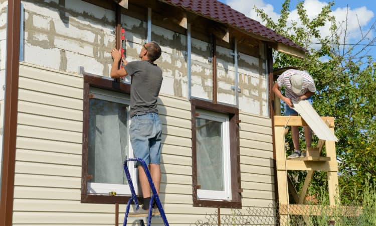 How to Install Vinyl Siding on Shed