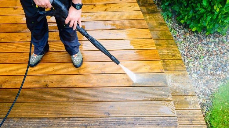 Deck stain pad vs roller