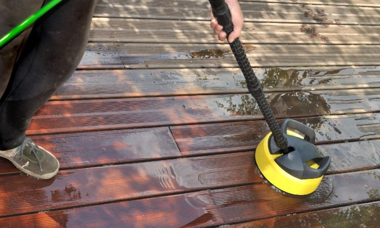 Slippery Deck 11 Effective Ways How To Make Decking Non Slip