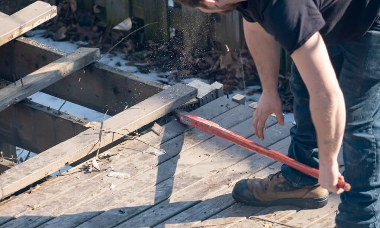 removing deck boards