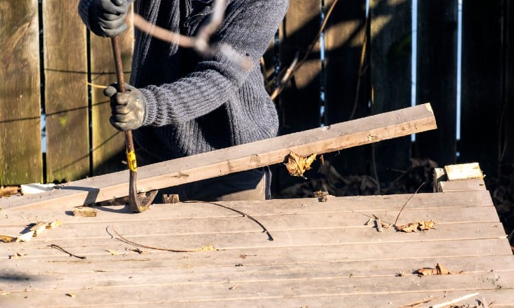 How To Remove Deck Boards With Screws