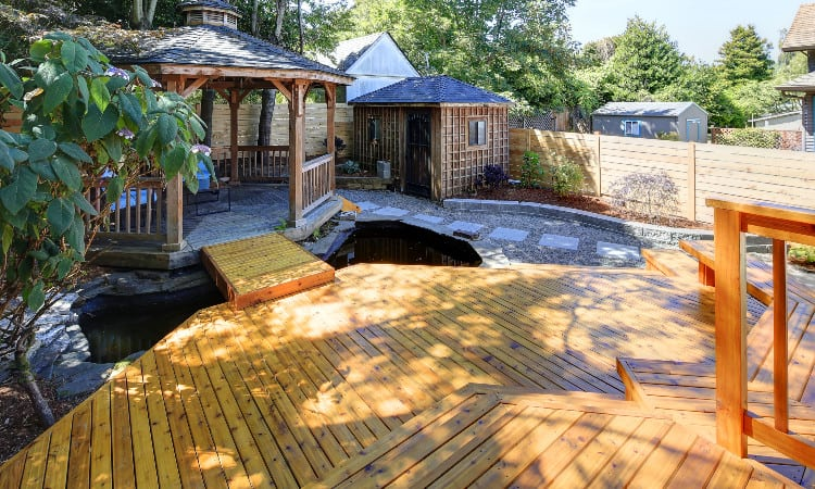 How to stain wood deck