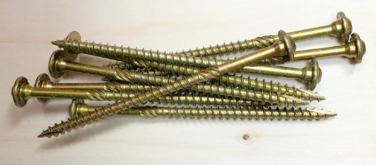Wooden deck screws