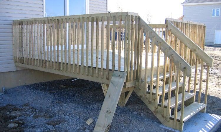 Pressure treated wood deck lifespan
