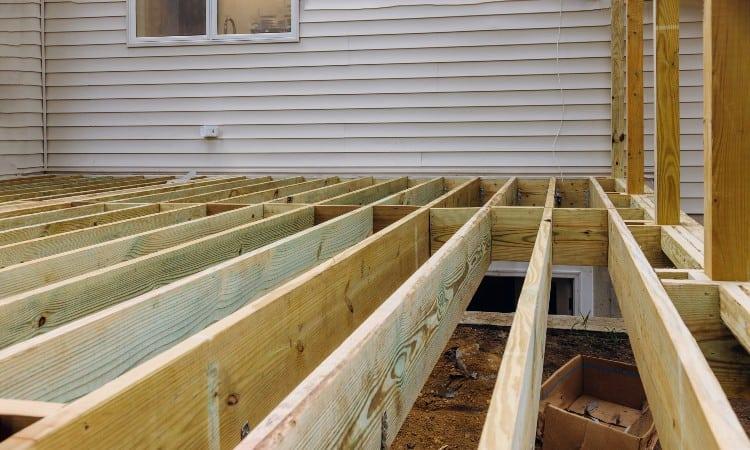 How far can a 2x8 deck joist span
