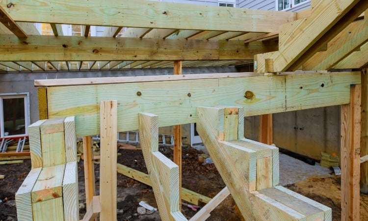 How To Attach Stair Stringers To Deck